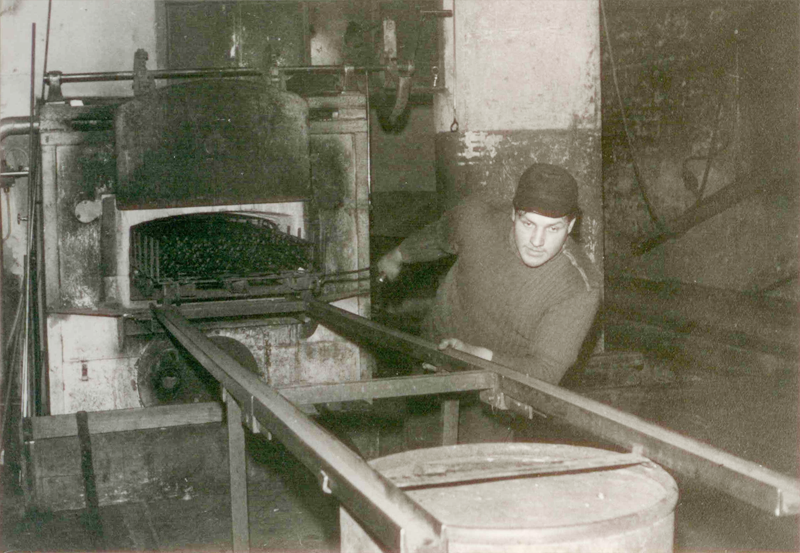 Tube annealing 1956